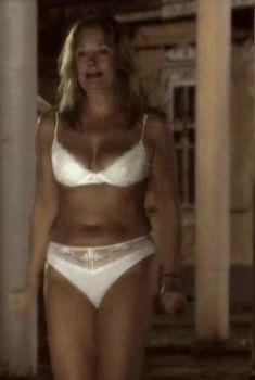 Ирина Алферова показала голую грудь в сериале «Капкан», 2007