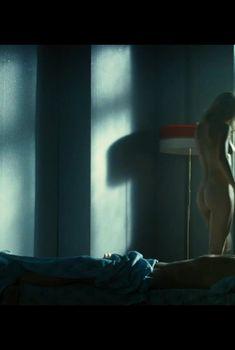 Красивая Светлана Иванова снялась голой в фильме «Легенда №17», 2012