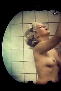 Голая грудь Светланы Амановой в фильме «Лестница», 1989