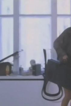 Мария Липкина засветила голую грудь в фильме «Лимита», 1995