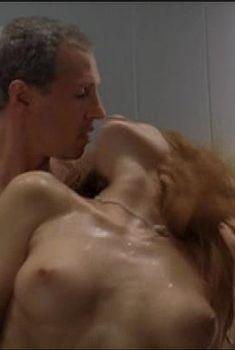 Ольга Родионова оголила грудь и засветила письку в фильме «Лифт», 2006