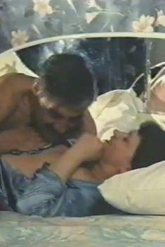 Ирина Шмелева засветила грудь в фильме «Любовница из Москвы», 2001