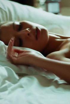 Сексуальная Любовь Аксенова показала голые сиськи в сериале «Мажор», 2014