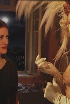 Голые сиськи Ксении Назаровой в сериале «Мастер и Маргарита», 2005