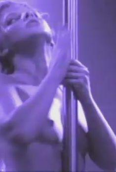 Голые сиськи Анастасии Задорожной в сериале «Матрешки 2», 2008