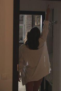 Анастасия Меськова засветила голую попу в сериале «Метод Фрейда», 2012