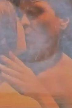 Чувственная Анна Геллер засветила грудь в сериале «Наваждение», 2008