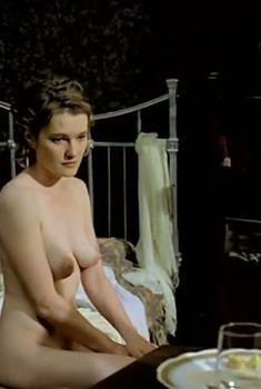 Голая грудь Виктории Толстогановой в фильме «Натурщица», 2007