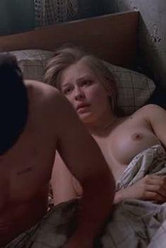 Юлия Пересильд показала голые сиськи в фильме «Однажды в провинции», 2008