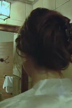 Голая грудь Светланы Антоновой в сериале «Пепел Феникса», 2004