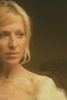 Ирина Гринева засветила сиську в сериале «Подкидной», 2005