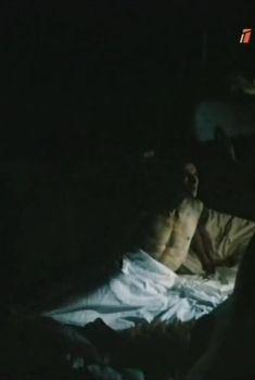 Голая попа Татьяны Яковенко в фильме «Приговоренный», 1989