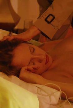 Полностью голая Кристина Исайкина в фильме «Про Любовь», 2015