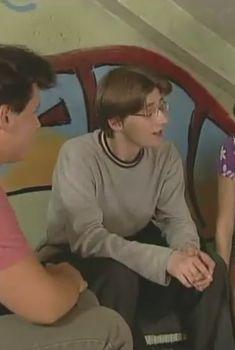 Юная Татьяна Арнтгольц засветила трусики в сериале «Простые истины», 1999