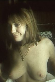Голая грудь Ларисы Гузеевой в фильме «СВ. Спальный вагон», 1989
