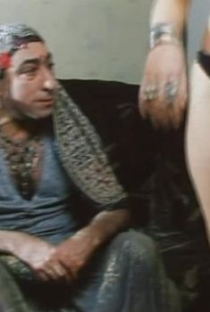 Наталья Бочкарева в трусиках в фильме «Семь раз отмерь», 2005