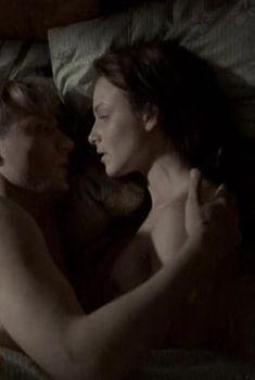 Анна Снаткина оголила грудь в сериале «Сорок третий номер», 2010