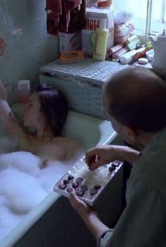 Елена Сафонова засветила грудь в фильме «Такси-блюз», 1990