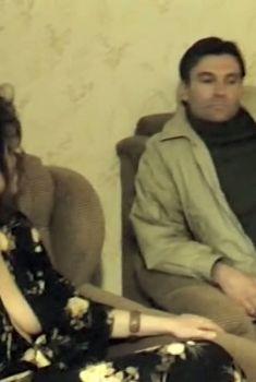 Марина Могилевская засветила голую грудь в фильме «Телохранитель», 1991
