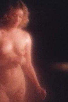 Полностью голая Ольга Смирнова в фильме «Третья планета», 1991
