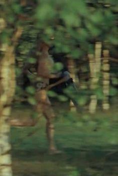 Марина Яковлева засветила грудь в фильме «Цыганское счастье», 1981