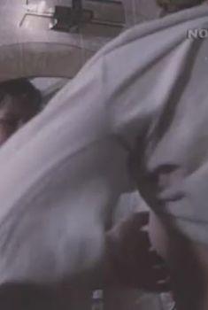 Татьяна Ташкова слегка засветила грудь в сериале «Частное лицо», 1980