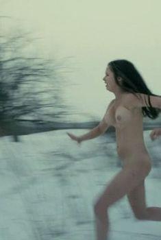 Полностью голая Алиса Шитикова в фильме «Я тоже хочу», 2012