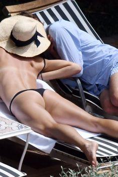 Сладкая попка Марии Шараповой в бикини на отдыхе в Италии, 2018