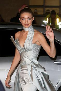 Откровенное декольте Джиджи Хадид на The Fashion Awards, 2016