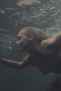 Александра Колкунова снялась голой в фильме «Похитители воды», 1992