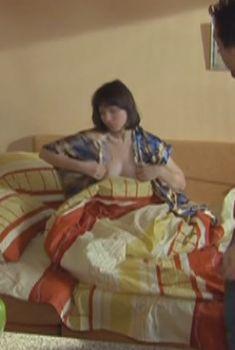 Алла Фомичева засветила грудь в сериале «Из жизни капитана Черняева», 2009