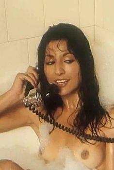 Ампаро Грисалес показала голую грудь в фильме «Избранные», 1982