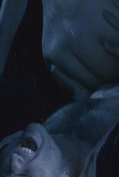 Голая попа Анастасии Аравиной в фильме «Нанкинский пейзаж», 2006