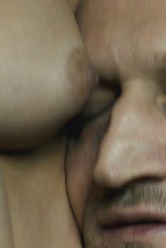 Анна Канарис снялась голой в фильме «Разговор», 2012
