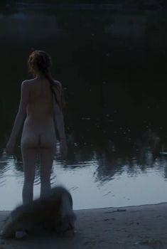 Анна Махлина показала голую попу в фильме «Дефиле», 2015