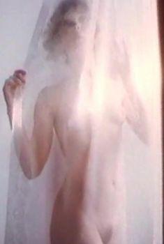 Анна Тихонова снялась голой в фильме «Полет ночной бабочки», 1992