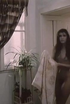 Вера Сотникова снялась голой в фильме «Право на прошлое», 1989