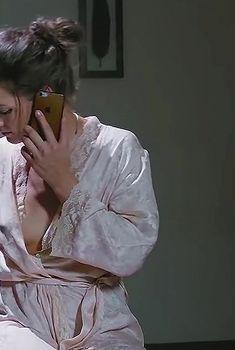 Вероника Пляшкевич засветила грудь в фильме «Вцвет», 2018
