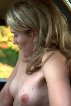 Полностью голая Виктория Толстоганова в фильме «Раскаленная суббота», 2002