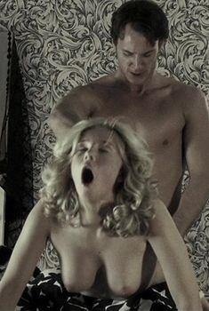 Дженнифер Миллер снялась голой в фильме «Счастливое число Слевина», 2005