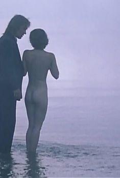 Динара Друкарова снялась голой в фильме «Сердце медведицы», 2001