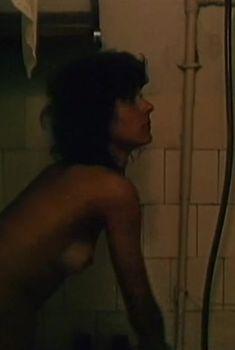 Голые сиськи Елены Величко в фильме «Ленинград. Ноябрь», 1990