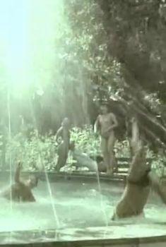 Елена Гаршина снялась голой в фильме «Ау! Ограбление поезда», 1991