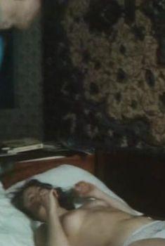 Голая грудь Елены Катышевой в фильме «Кровь за кровь», 1991