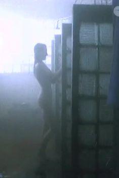 Полностью голая Елена Коробейникова в фильме «Челябумбия», 2003
