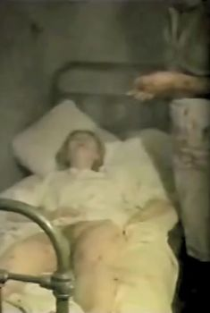 Елена Попова снялась голой в фильме «Самостоятельная жизнь», 1991