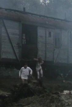Елена Смолина засветила грудь в сериале «Конь Белый», 1993