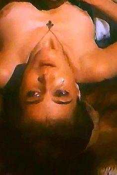 Ивона Катажина Павлак показала голую грудь в фильме «Седая легенда», 1991