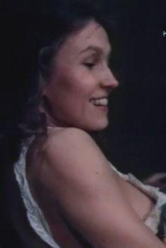 Ингеборга Дапкунайте засветила грудь в сериале «Николай Вавилов», 1990