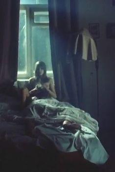 Красотка Ингеборга Дапкунайте показала грудь в фильме «Подмосковные вечера», 1994